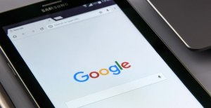 Negative search results cost FTSE 100 companies almost 15 million new leads per year
