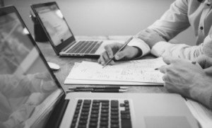 What should an online reputation management strategy include? - Igniyte